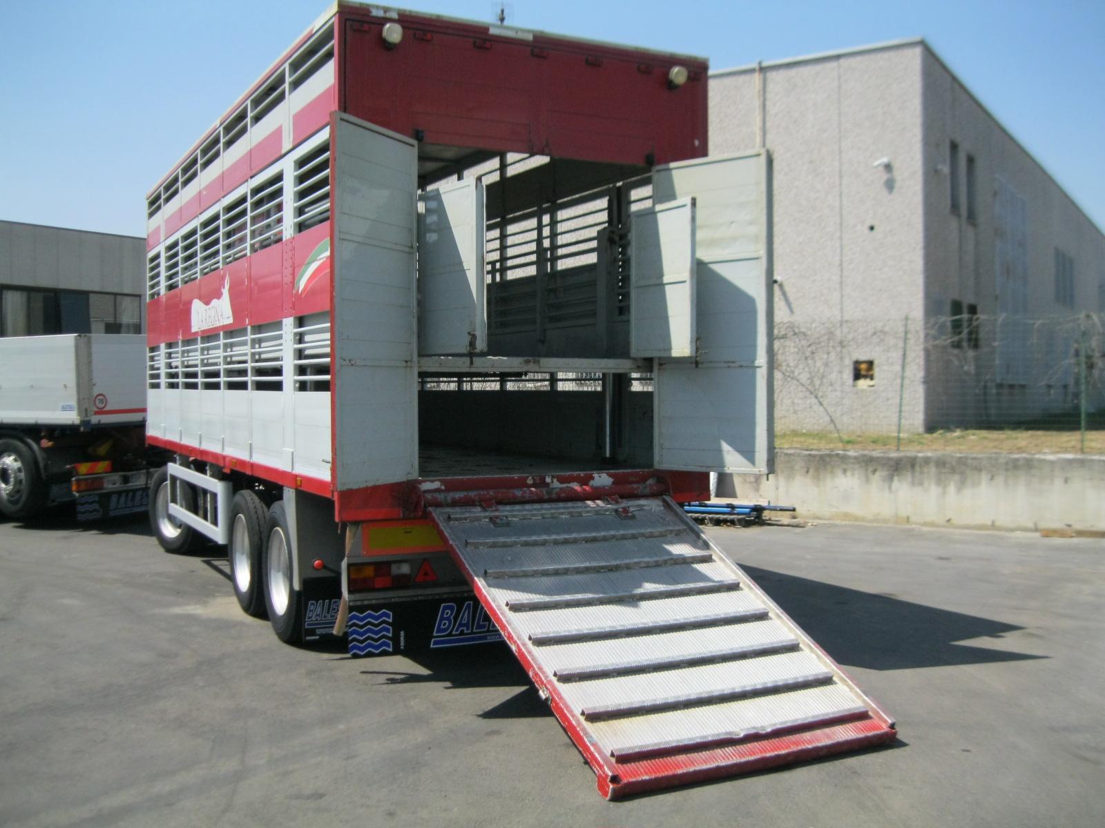 08 rimorchio trasporto animali balestrazzi for Rimorchi balestrazzi